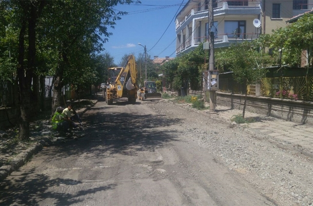 Започва асфалтиране на 28 улици в община Казанлък