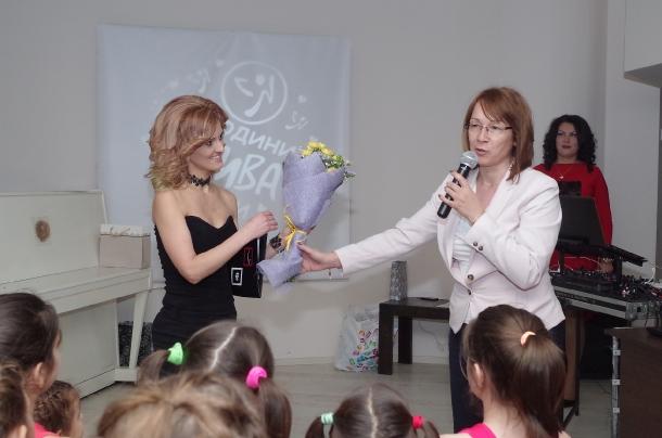 24.02.2017 - Галина Стоянова подари климатик на клуба