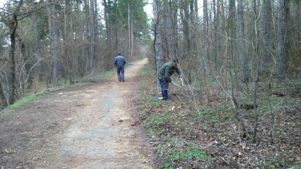 """Община Казанлък продължава дейностите по почистване на лесопарк """"Тюлбето"""""""