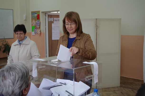 26.03.2017 - Кметът на община Казанлък гласува за 44-то Народно събрание