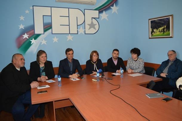 Мария Цонева е новият председател на групата общински съветници от ГЕРБ в ОбС - Казанлък