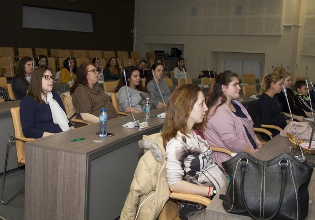 """В Стара Загора стартираха първите в страната безплатни срещи """"Акушерките близо до майките"""""""
