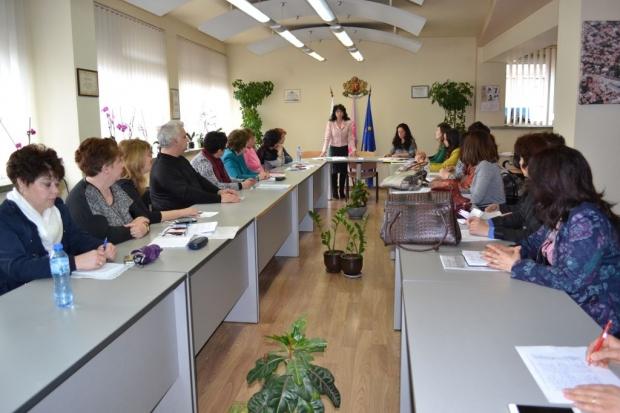 Нови електронни услуги за записване в детски градини и училища в Казанлък