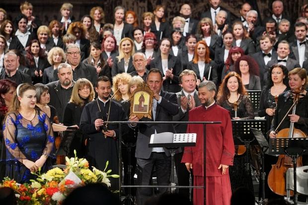 """Старозагорския Митрополит Киприан отново пред публиката на """"Реквием"""" от Волфганг Амадеус Моцарт"""