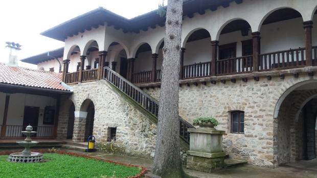 Отварят неделно училище в Мъглижкия манастир