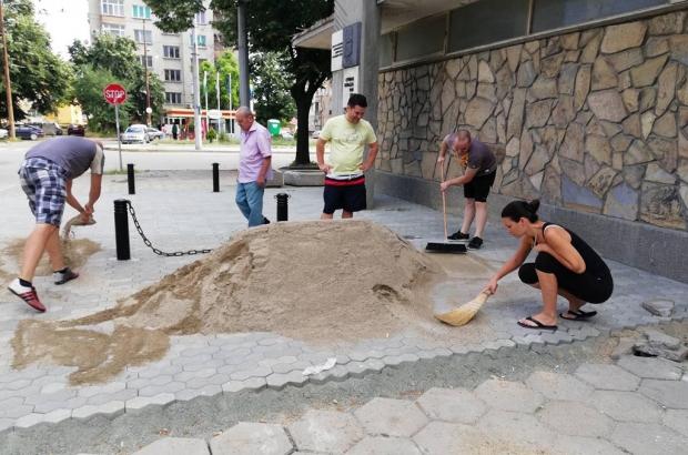 В навечерието на 150 годишнината от гибелта на Стефан Караджа, МГЕРБ-Казанлък обновиха едноименния м