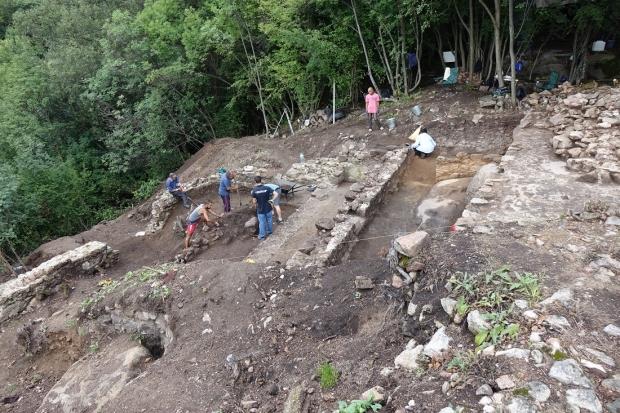 Приключват годишните разкопки на Бузово кале