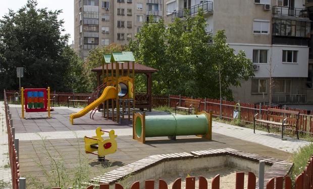 Ремонтират детските площадки в Стара Загора