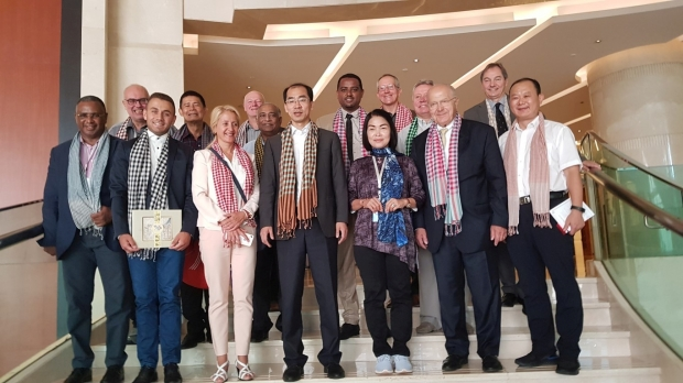 Делегация от Казанлък гостува в побратимения Дзинан, Китай