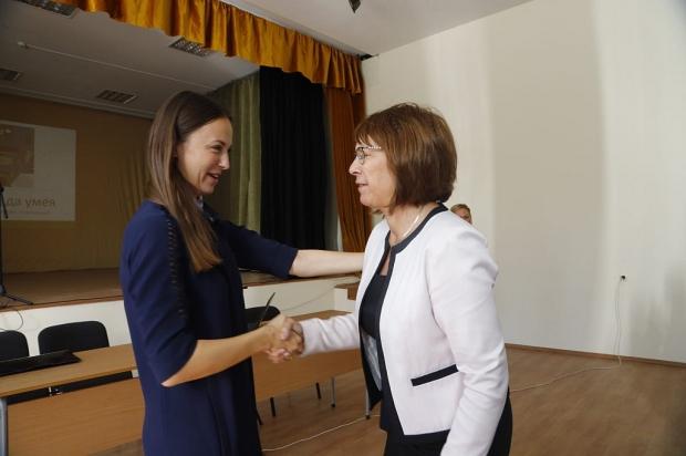 Евродепутатът Ева Майдел (ГЕРБ/ЕНП): Образователната инфраструктура в Община Казанлък е на европейск