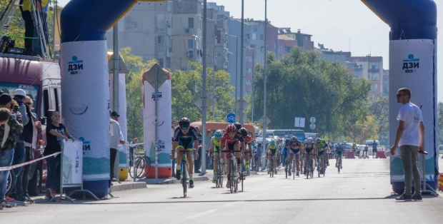 """Предизвикателството """"С велосипед до Луната"""" завладява Стара Загора"""