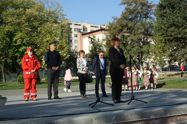 """Областният управител Гергана Микова присъства на откриването на национално ученическо състезание """"За"""