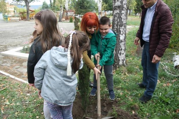 Областният управител на Стара Загора Гергана Микова участва в зелена инициатива