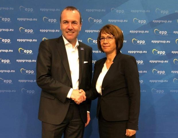 Цветан Цветанов и кметове от ГЕÐ�Б се срещнаха с претендента за водещ кандидат на ЕНП за председател