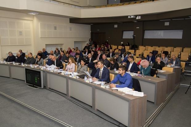 Повече пари за селата, новия парк и нова улица одобри Общинският съвет в Стара Загора