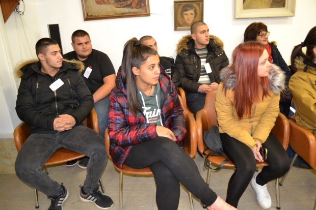 Община Казанлък фокусира вниманието върху младите лидери
