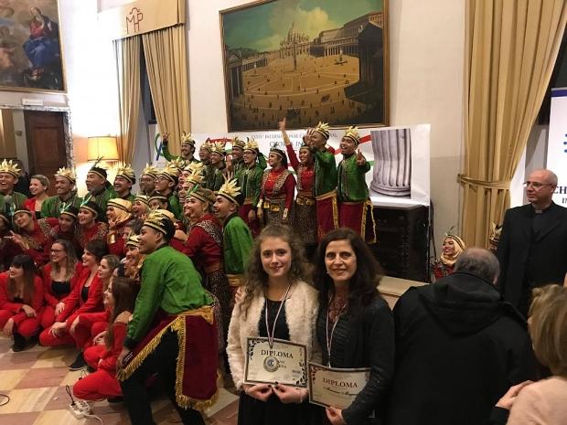 """Сребърен медал за Стефани Калчева от Школата за пеене при НЧ """"Възродене искра2000"""""""