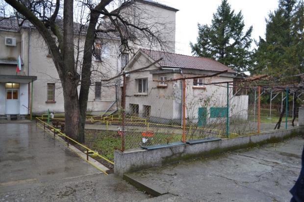В Казанлък започва изграждането на единствения в региона Дневен център за хора с деменция