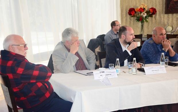 Фирмите от Сдружението на българската отбранителна индустрия /СБОИ/ и синдикатите  искат среща с мин