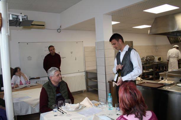 """ПГЛПТ излъчи своите представители за регионалното състезание """"Най-добър млад готвач, барман и сервит"""