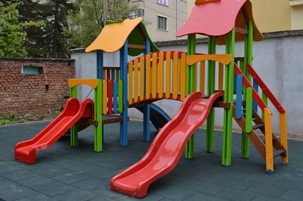 """""""Спешен център за настаняване на деца в риск"""" и """"Синя стая"""" бяха официално открити днес в Центъра за"""
