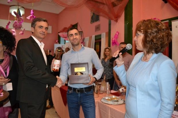 Кметът на Казанлък приветства участниците във Фестивал на виното Розе