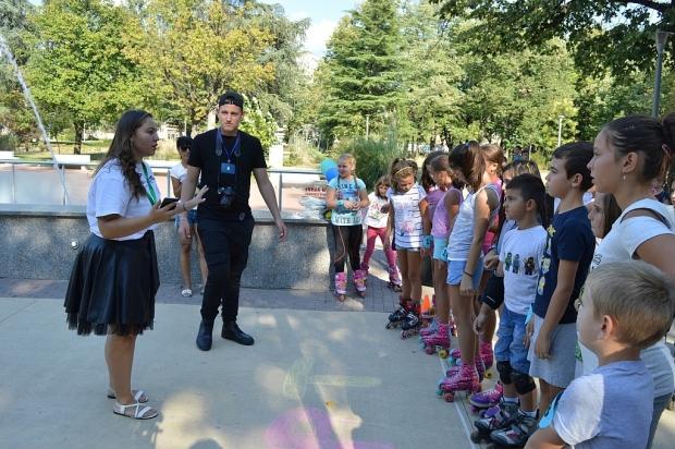 МОС-Казанлък сътвори малък празник на младите хора на кънки и ролери