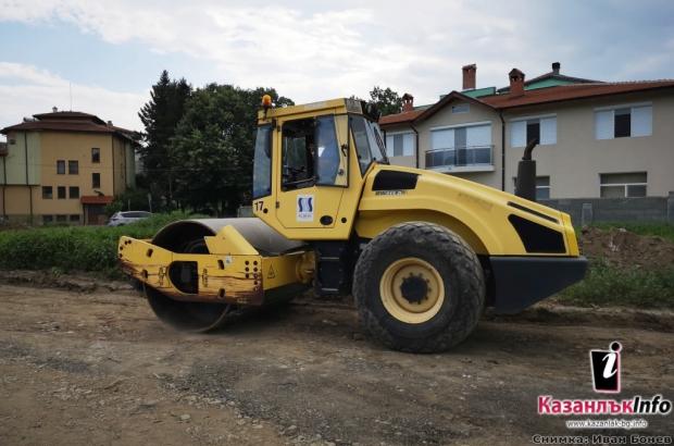 """Общината работи по изграждането на улица """"Орфей"""" в квартал """"Крайречен"""""""