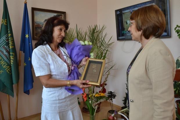 Поздравления от Кмета за директора на Механото