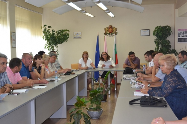 Населените места в община Казанлък са извън 20-километровата санитарна зона