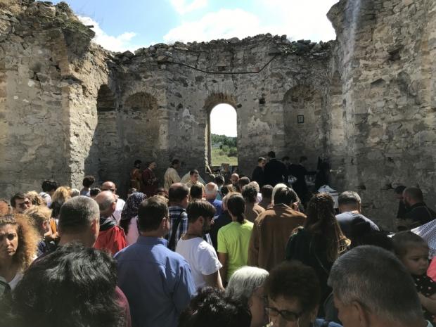 Служба в Потопената църква