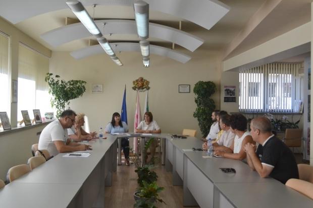 13 члена на Общинската избирателна комисия в Казанлък