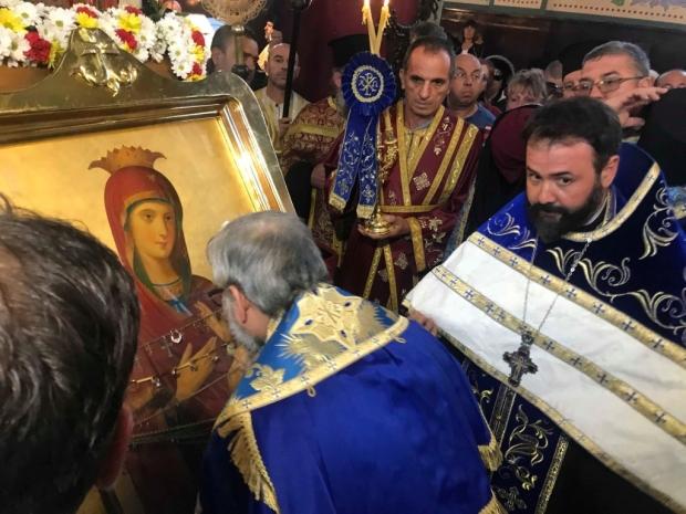 Две чудотоворни икони посрещат в Стара Загора