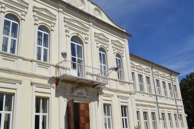 """Кметът на Казанлък: """"Общината ще посрещне Новата учебна година с реновирани училища"""""""