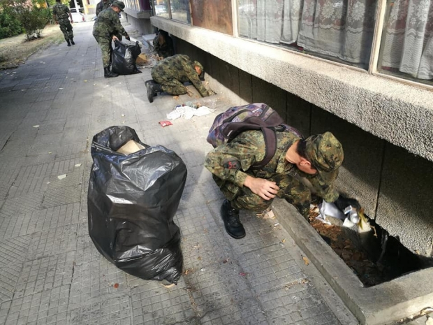 """Военнослужещите от 61 Стрямска механизирана бригада стартираха кампанията """"Да изчистим България заед"""