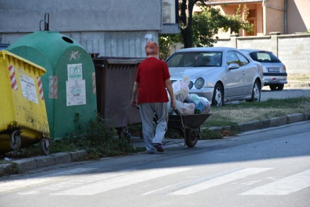 Над 95 тона боклук изхърлиха казанлъчани