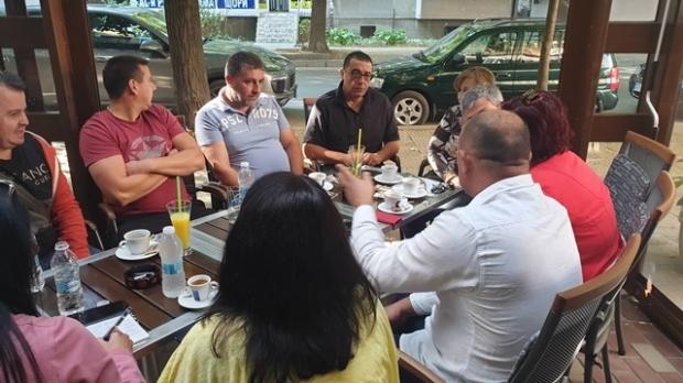 """Малкият бизнес на ул.""""Старозагорска е в колапс след репресии от Община Казанлък"""