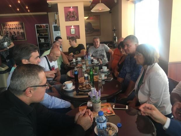 Кандидатите за общински съветници от ГЕРБ се срещнаха с таксиметровия бранш