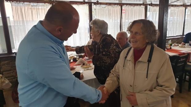 Учителите-ветерани от Казанлък се чувстват низвергнати