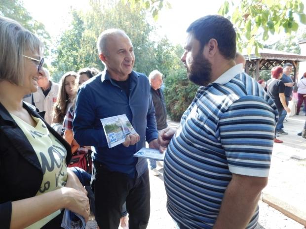 Василка Еленкова и Георги Видев от ГЕРБ (№43) посетиха с. Голямо Дряново