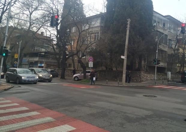 Въвеждат нова светофарна сигнализация, избягваща конфиктни ситуации между пешеходци и шофьори в Стар