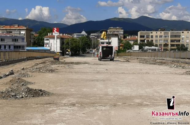 Следва по-съществената част от реконструкцията на Надлез