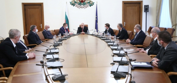 Постепенно разхлабване на противоепидемичните мерки в България препоръча Националният оперативен щаб