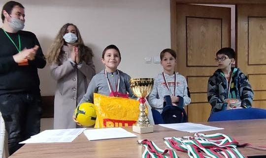 """ШК """"Казанлък 21"""" спечели първите си 3 медала за 2021 година"""