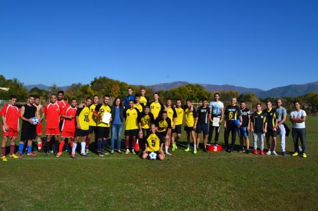 Футболистите на Хуманитарната са първенците при 11 – 12 клас в общинското първенство