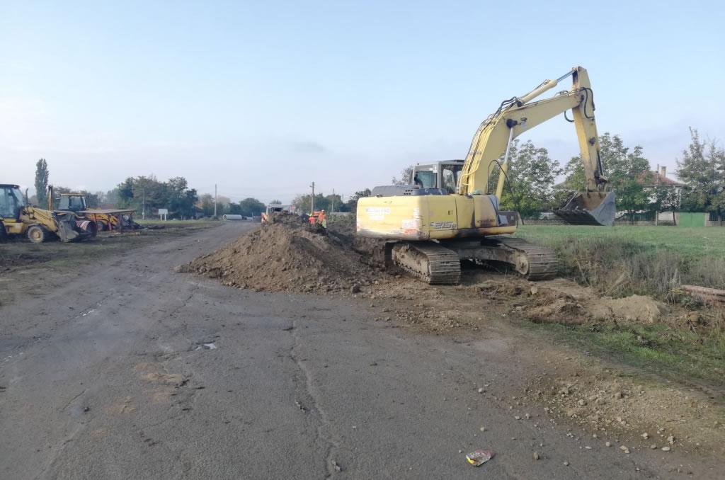Усилено се работи по изграждането на канализацията в Крън