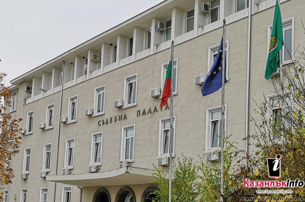 По искане на Районна прокуратура – Стара Загора съдът задържа обвиняем, катастрофирал с противозаконно отнет лек автомобил